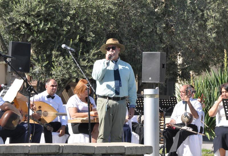 """Туристы восхищены азербайджанской музыкой <span class=""""color_red"""">- ФОТО</span>"""