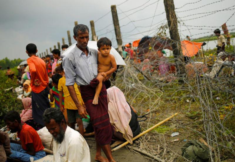 Британия перестала тренировать военных Мьянмы из-за насилия к мусульманам-рохинджа
