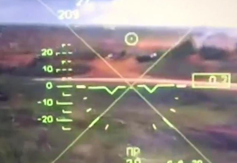 """Опубликовано видео из кабины вертолета, который ударил по зрителям на военных учениях <span class=""""color_red"""">- ВИДЕО</span>"""