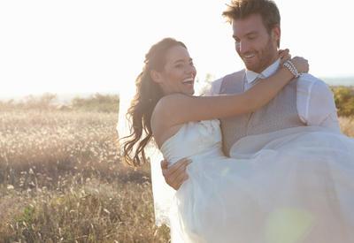 """18 поз для свадебной фотосессии <span class=""""color_red"""">- ФОТО</span>"""