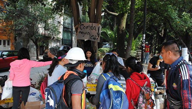 Число жертв при землетрясении вМексике перевалило за220