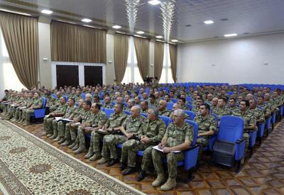 """Müdafiə naziri: Ali Baş Komandanın BMT-də səsləndirdiyi fikirlər ordumuz üçün əmrdir <span class=""""color_red"""">- FOTO</span>"""