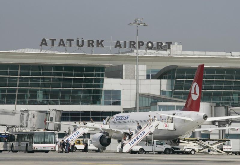 """В Стамбуле разбился частный самолет, есть пострадавшие <span class=""""color_red"""">- ОБНОВЛЕНО</span>"""