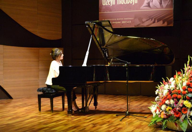 """В Центре мугама выступила известная пианистка Элисо Болквадзе <span class=""""color_red"""">- ФОТО</span>"""