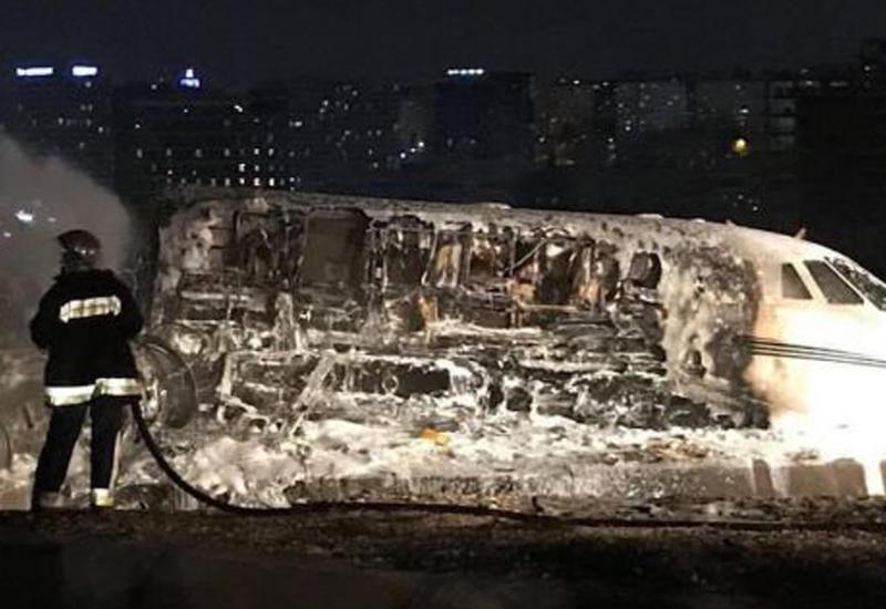 """Страшные кадры: последствия крушения самолета в Стамбуле <span class=""""color_red"""">- ВИДЕО</span>"""