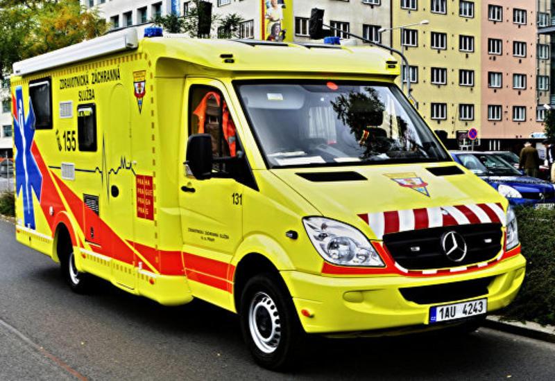 В Праге десантник приземлился на женщину и ребенка