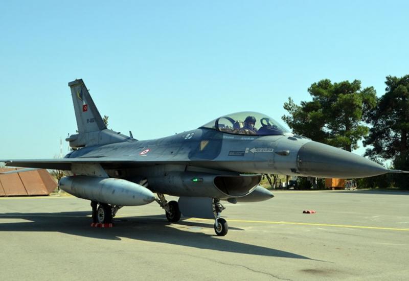 """Учения азербайджанских и турецких боевых самолетов <span class=""""color_red"""">- ФОТО - ВИДЕО</span>"""