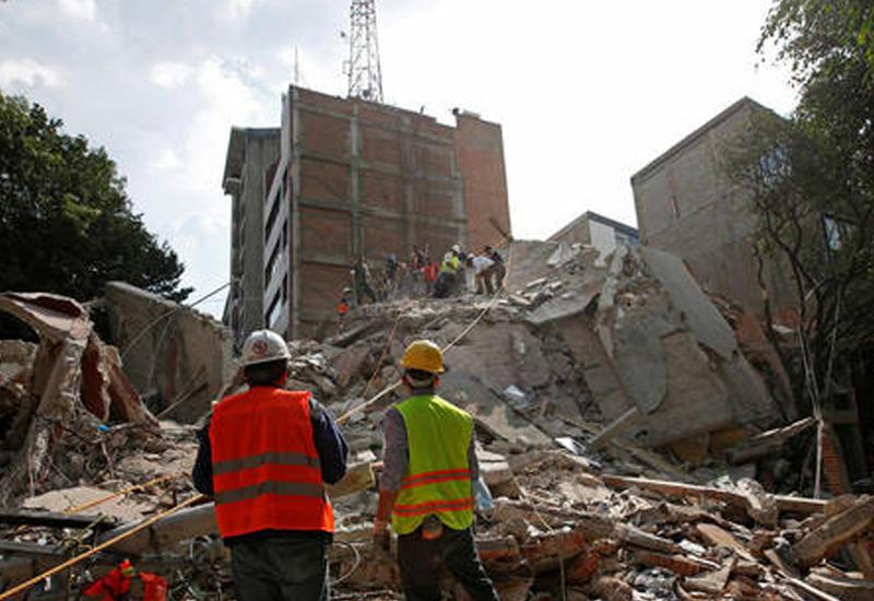 """В Мексике возросло число погибших при землетрясении <span class=""""color_red"""">- ВИДЕО</span>"""