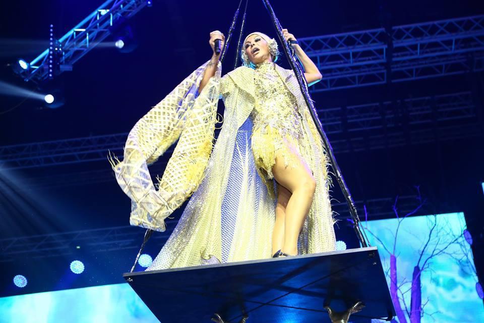 Фантастическое шоу Айгюн Кязымовой на сцене Baku Crystal Hall