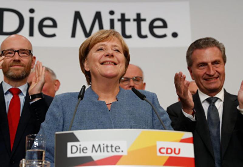 Блок Меркель лидирует на выборах