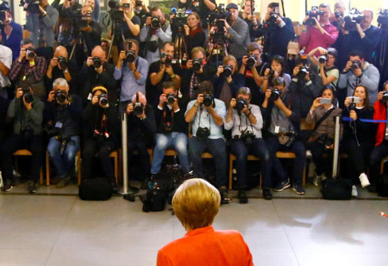 Меркель назвала свою партию самой большой силой в парламенте