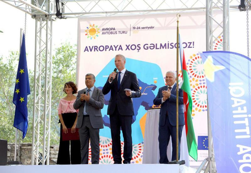 """В Шеки состоялось официальное открытие """"Европейского городка"""" <span class=""""color_red"""">- ФОТО</span>"""