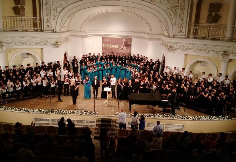 Четыре хора устроили грандиозный концерт в Филармонии