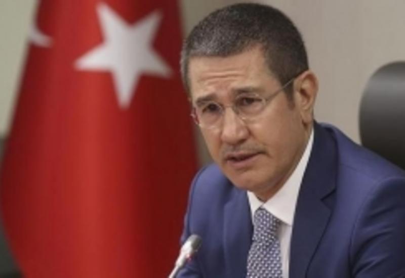 Министр обороны Турции едет в Баку