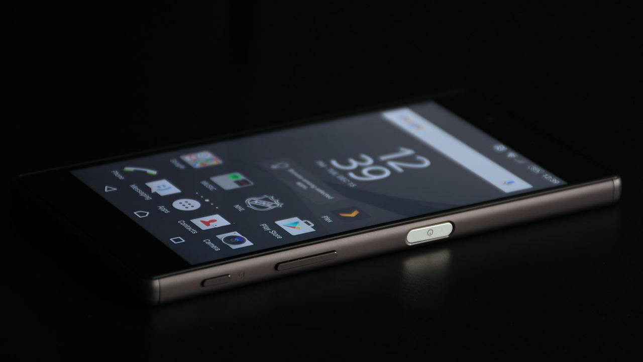 В Сони признали, что дизайн их телефонов устарел
