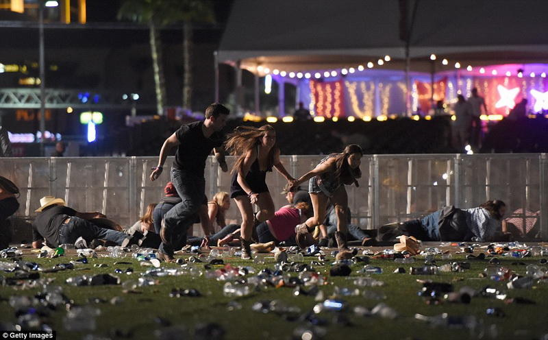 Массовый расстрел вЛас-Вегасе: 20 погибших, неменее 100 ранены