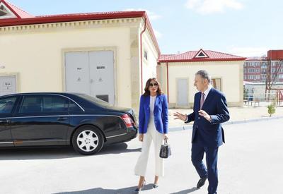 """Первый вице-президент Мехрибан Алиева ознакомилась с новым зданием, построенном в бакинском поселке Рамана для семей вынужденных переселенцев <span class=""""color_red"""">- ФОТО</span>"""