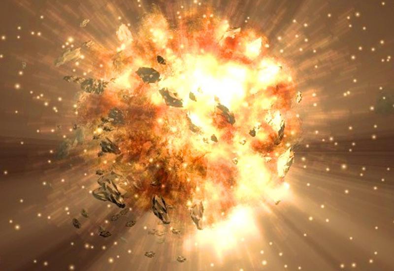 Мощный взрыв астероида в ночном небе сняли на камеры