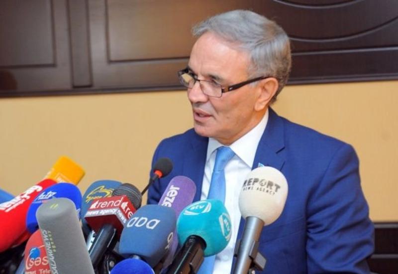 СМИ предложили наказывать за нарушение норм азербайджанского языка