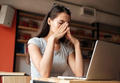 """5 причин, по которым вы устаете на работе <span class=""""color_red"""">- ФОТО</span>"""