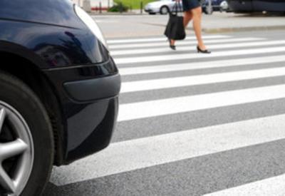 В Баку 43-летнюю женщину сбил автомобиль