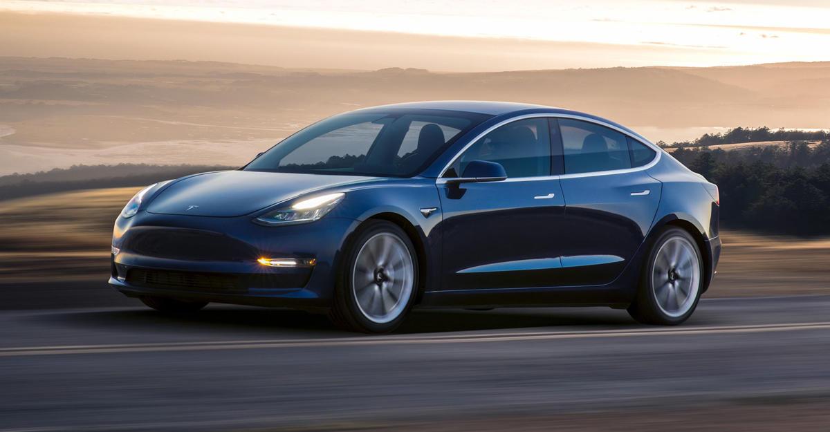 Элон Маск продемонстрировал процесс сборки Tesla Model 3