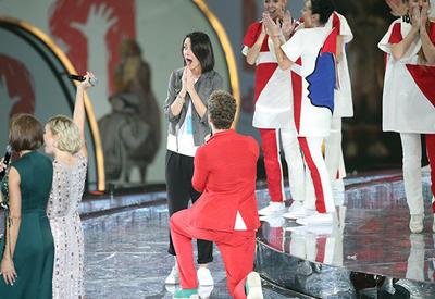 """Молодой человек прервал фестиваль в Сочи, чтобы сделать предложение возлюбленной <span class=""""color_red"""">- ВИДЕО</span>"""