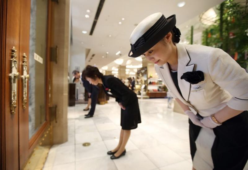 """Почему в Японии лучше не заходить в лифт первым <span class=""""color_red"""">- ФОТО</span>"""