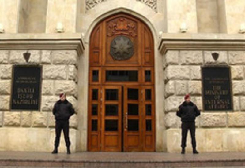 Казахстан экстрадировал в Азербайджан мошенников, находящихся в розыске