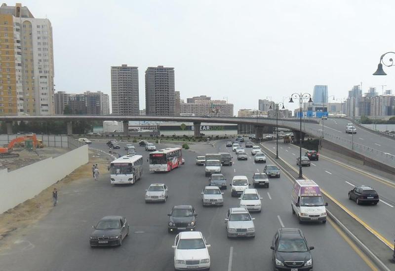В Баку ограничат движение на пересечении центральных проспектов