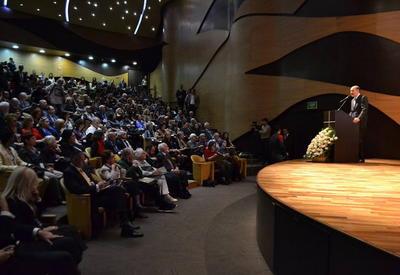 """В Центре мугама открылся V Международный симпозиум по азербайджанскому ковру <span class=""""color_red"""">- ФОТО</span>"""