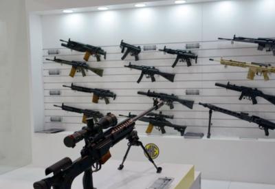 Азербайджан увеличивает расходы на оборону