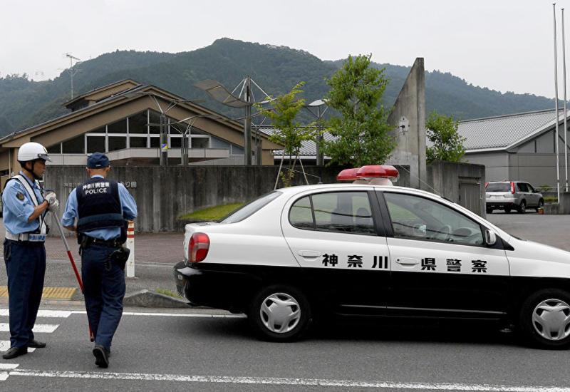 В Токио автомобиль наехал на пешеходов