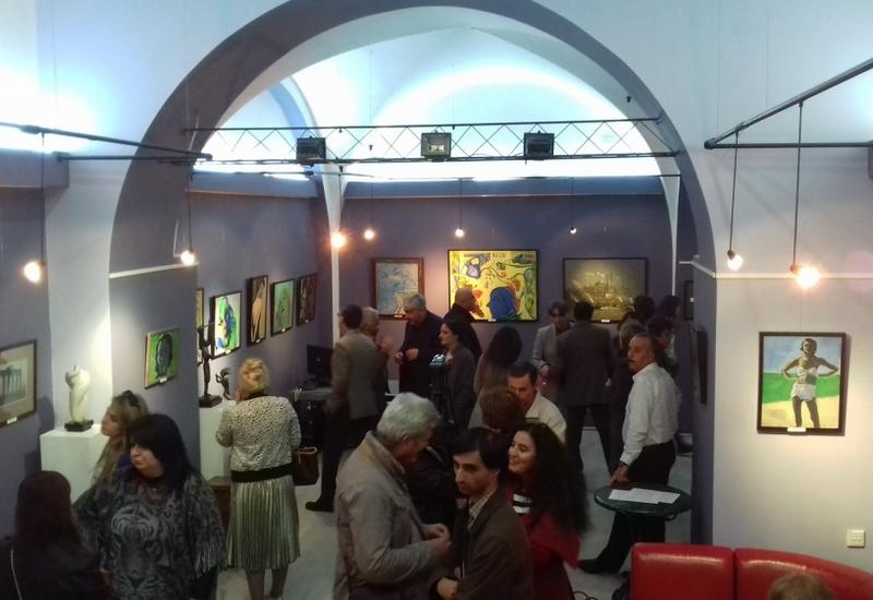"""В Баку открылась выставка грузинских художников <span class=""""color_red"""">- ФОТО</span>"""