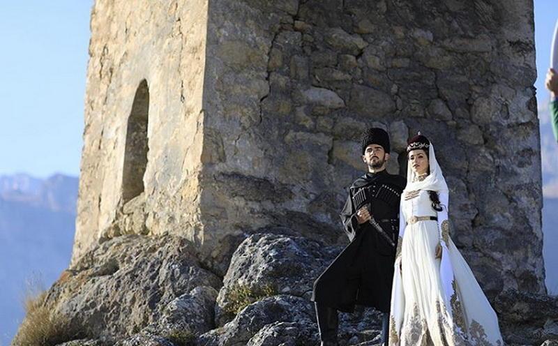 Сати Казанова показала новое свадебное фото