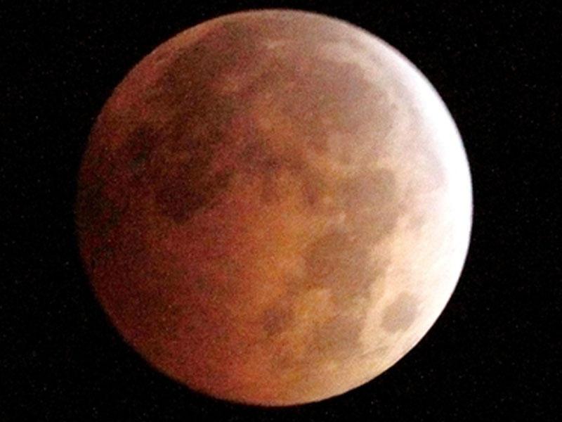 Ученые отыскали идеальное место для лунной базы