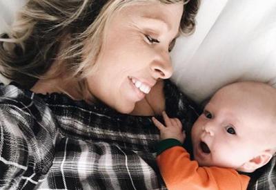 """Младенец впервые услышал голос мамы со слезами на глазах <span class=""""color_red"""">- ВИДЕО</span>"""
