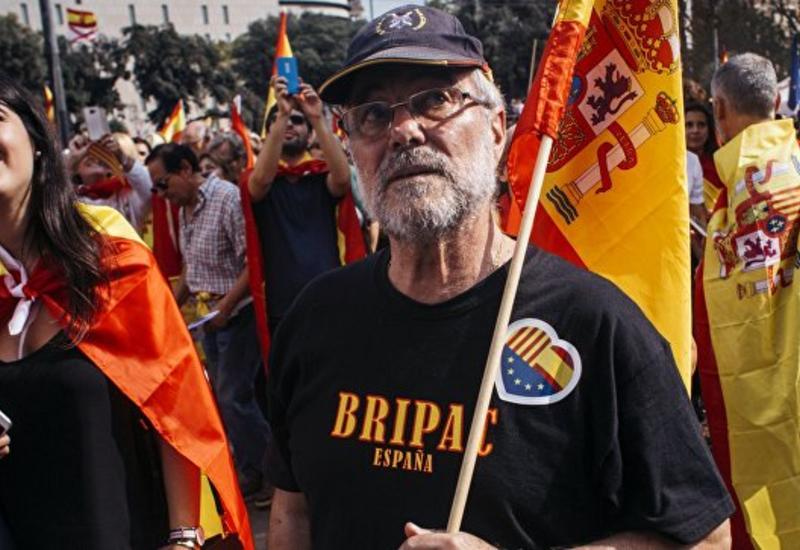 Мадрид отстранил от власти правительство Каталонии