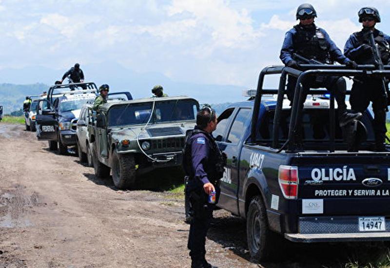 """В Мексике совершено нападение на двух мэров, один убит <span class=""""color_red"""">- ВИДЕО</span>"""