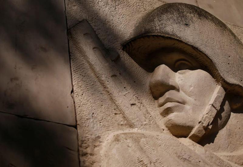 В Польше позволили сносить советские памятники