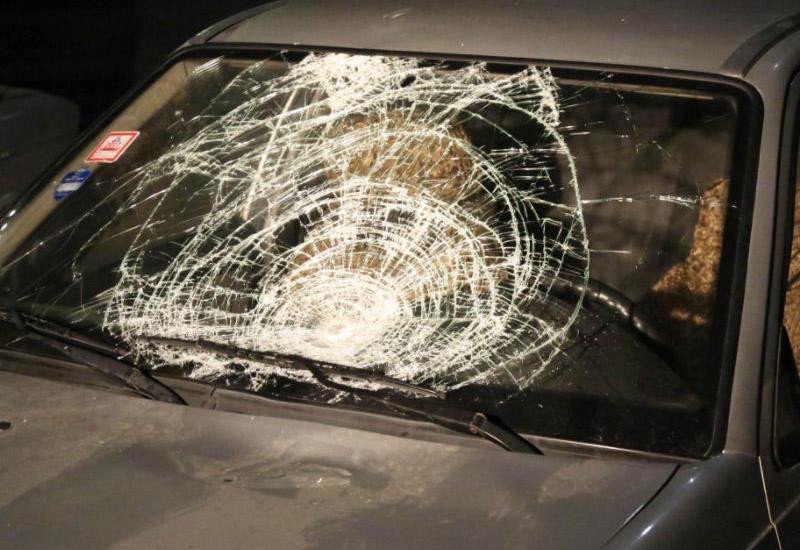 Lənkəranda iki avtomobil toqquşdu: qadın və azyaşlı yaralanıb