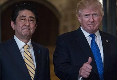 Трамп и Абэ договорились сыграть в гольф и усилить давление на КНДР