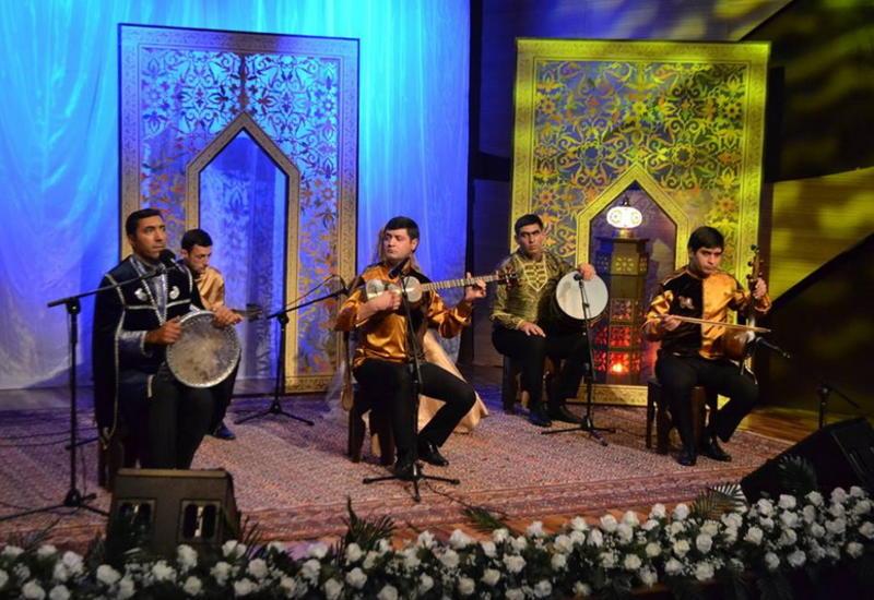 В Центре мугама прошел великолепный концерт в честь Моллы Панах Вагифа