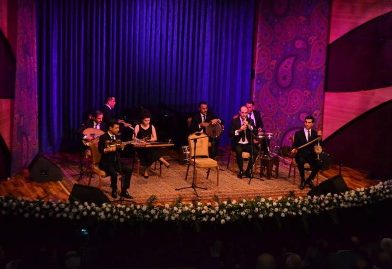 В Центре мугама состоялся великолепный концерт Пярвиза Гасымова
