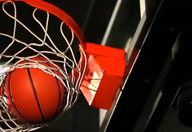 Отличный бросок за считанные секунды до окончания баскетбольного матча