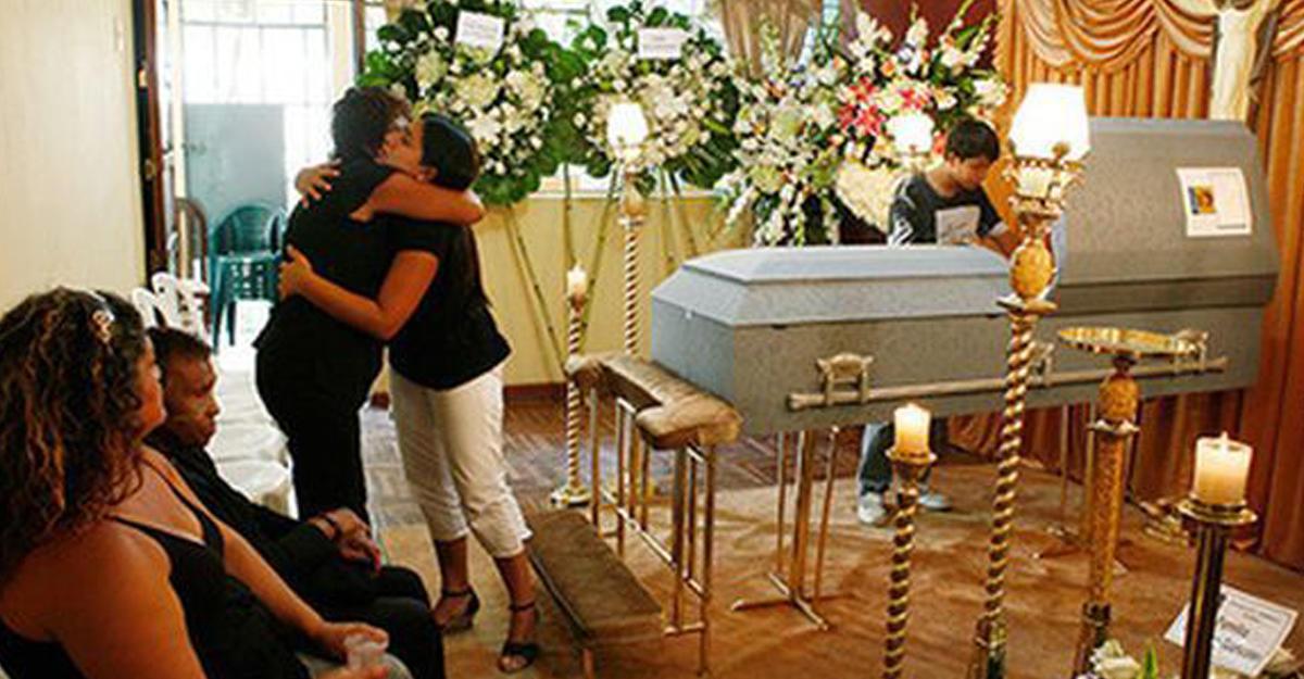 ВПеру покойник «задышал» вгробу иснова скончался