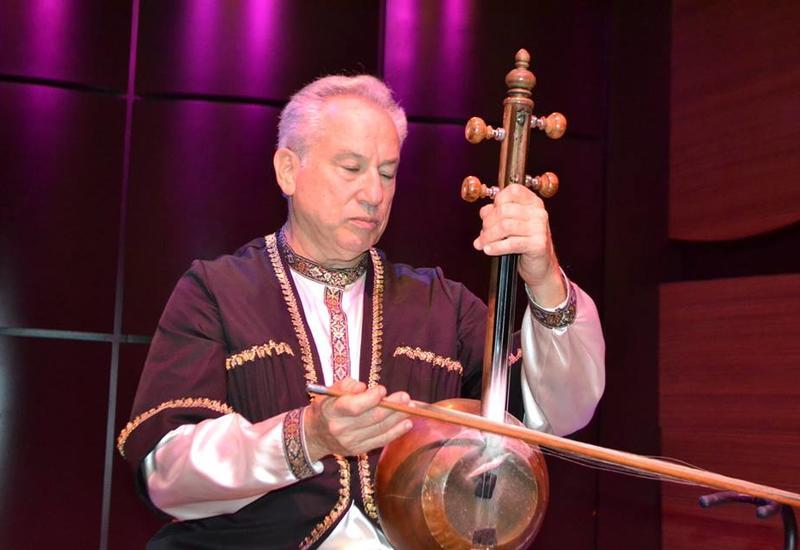 В Центре мугама состоялся концерт американского исполнителя мугама Джеффри Вербока