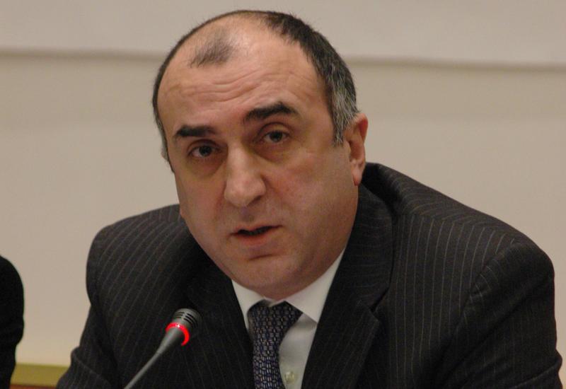 Эльмар Мамедъяров встретился с комиссаром ЕС Йоханнесом Ханом