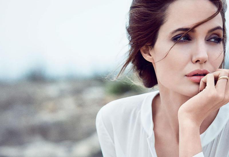 Анджелина Джоли снова выходит замуж