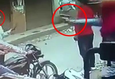 """Посреди белого дня в Индии убили лидера индусов <span class=""""color_red"""">- ВИДЕО</span>"""